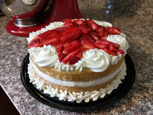 White Cake with Buttercream Frosting and Fresh Fruit