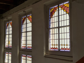 2 trappenhuis 2e verdieping glas-in-lood-ramen 20210615_114030.jpg