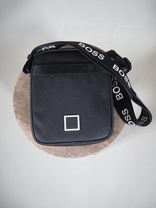 BOSS BLACK S&A BAG SMALL/MAN 016502