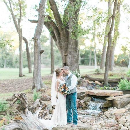 Hiden Waters' Couples