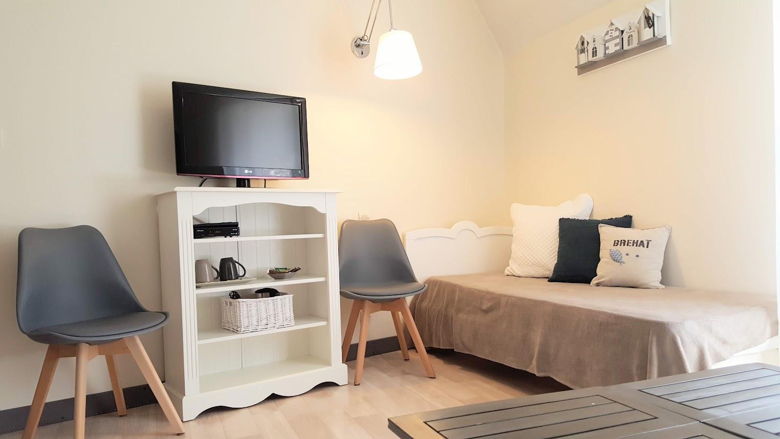 1 lit simple, TV et wifi