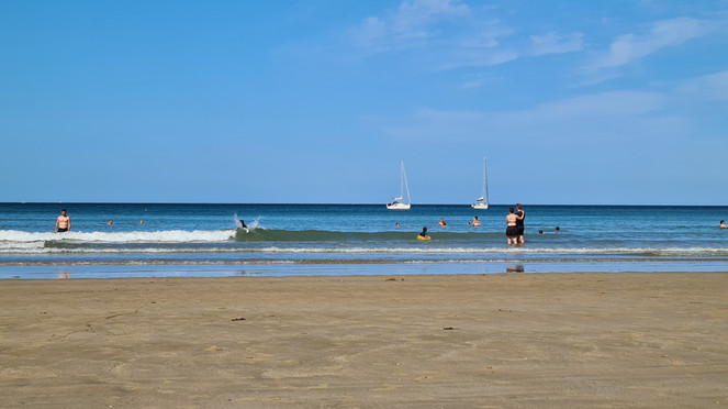 la plage à 4 mn de route ou 30 mn à pied
