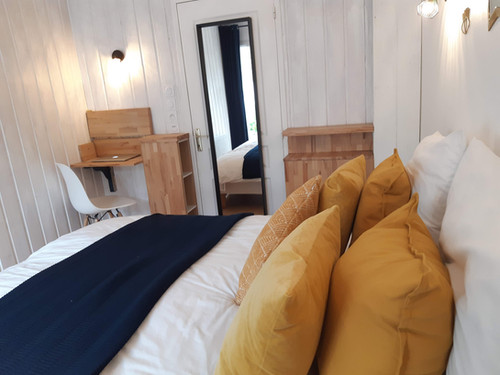 Chambre 2 préparée en lit double