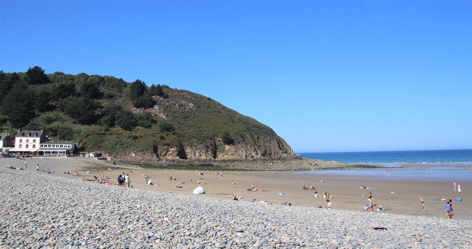 la plage et les falaises à 3 mn de route