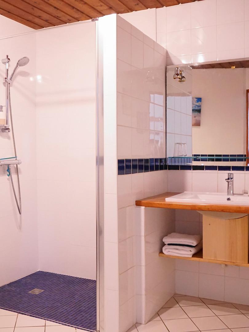 Salle d'eau douche à l'italienne