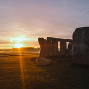 Stonehenge Private Access Sunrise Guided Tour
