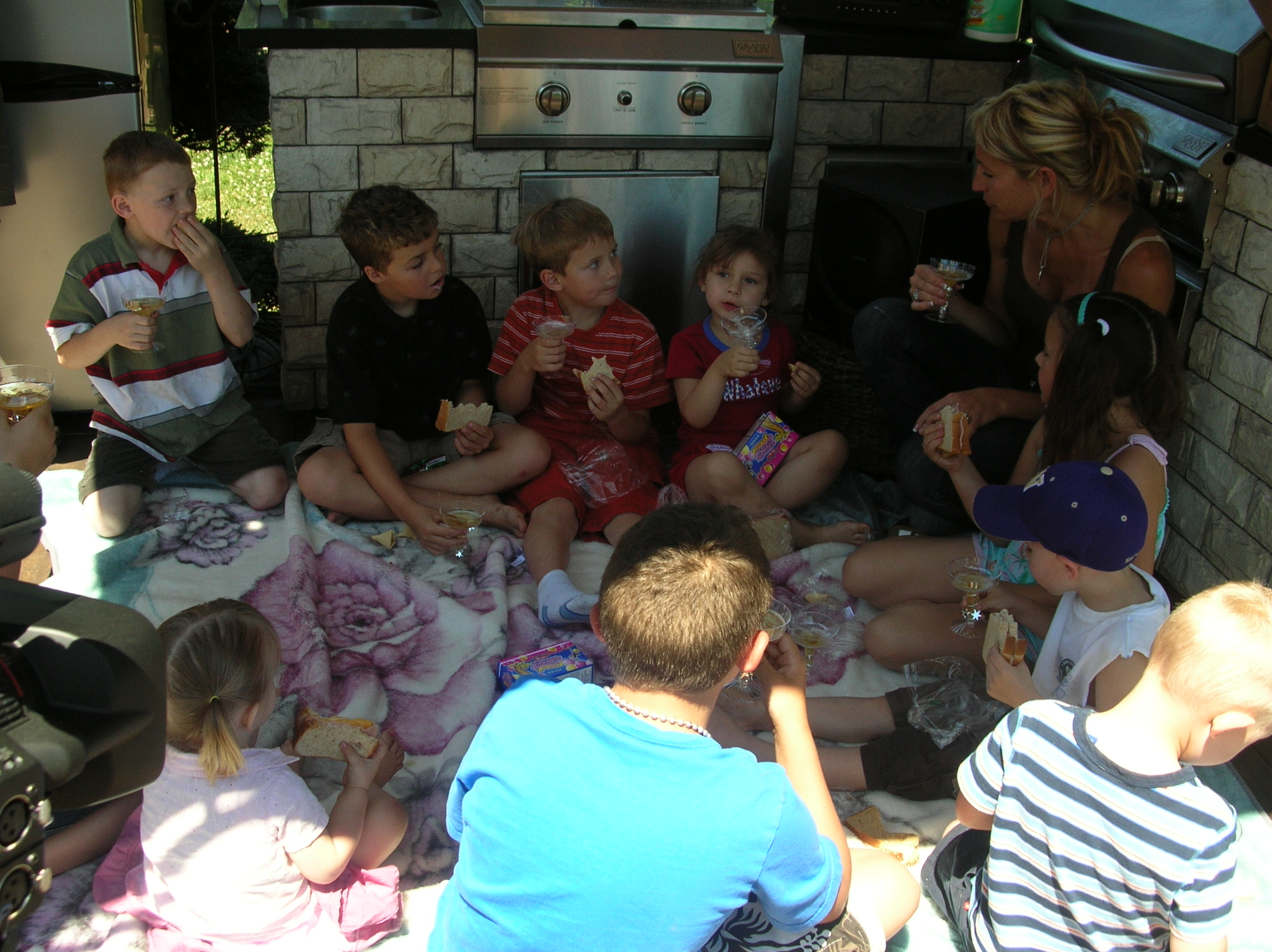 Story time at Abbyland