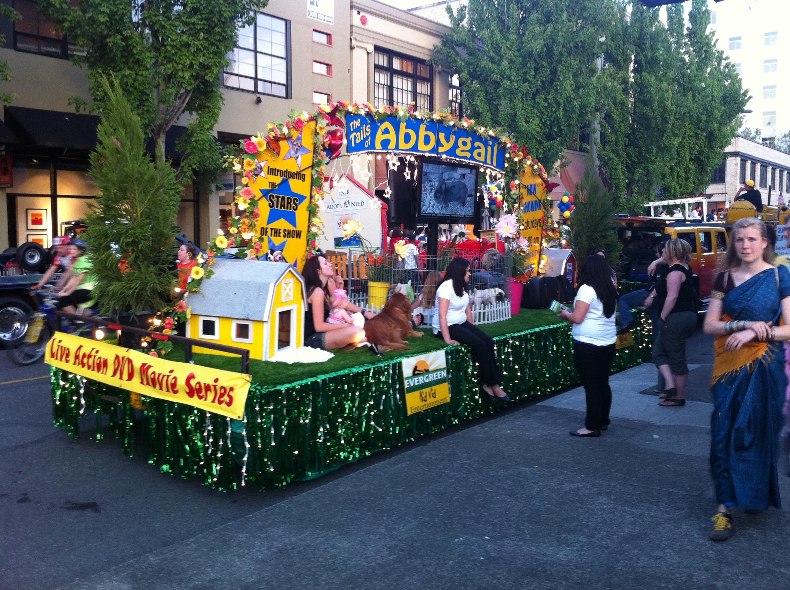 2011 Portland Rose Festival Starlight Parade 1.JPG