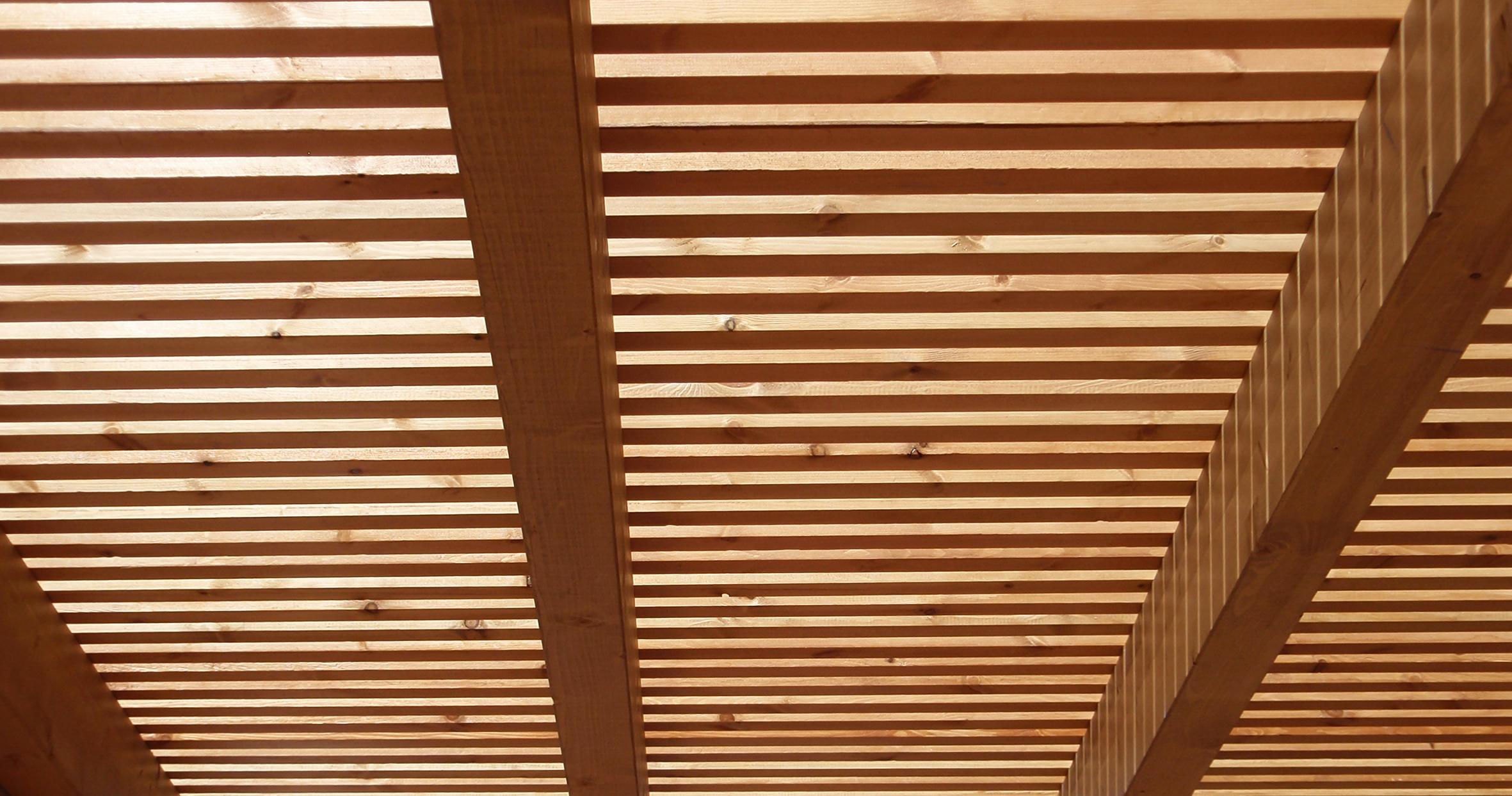 interexter-proyectos-reformas-decoracion-obrasmenores-pergola-madera-08.jpg