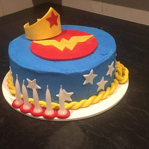Wonder woman do it yourself cake kit home cake it cake wonder woman do it yourself cake kit solutioingenieria Images