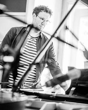 Simon Pianist Owls