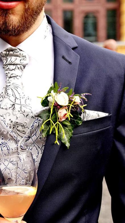 Detailierter Hochzeitsprofi