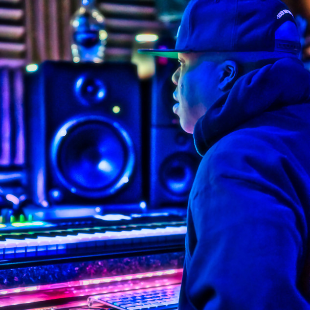DJ Rocswell Spaceship Recoring studio2.j