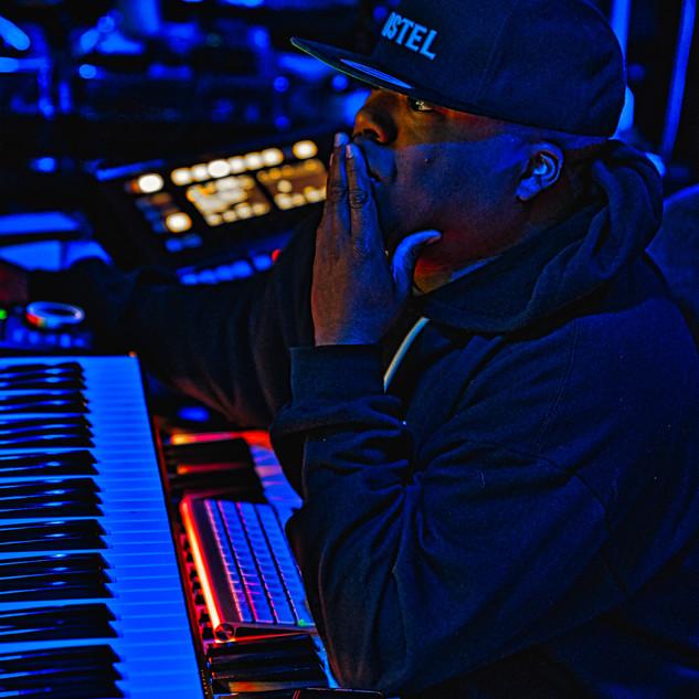 DJ Rocswell Spaceship Recoring studio3.j