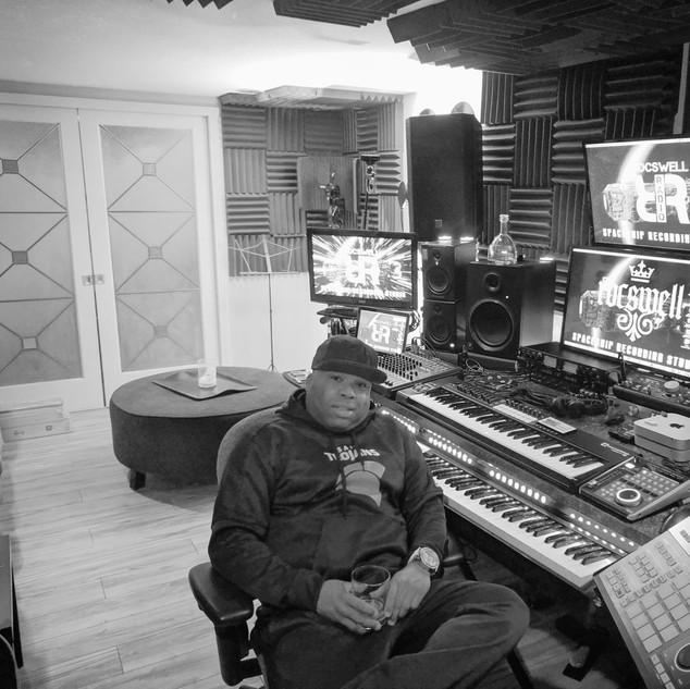 DJ Rocswell Spaceship recording studio
