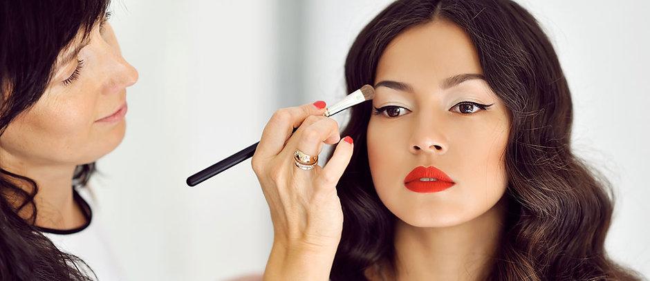 NB_makeup_SM_main.jpg