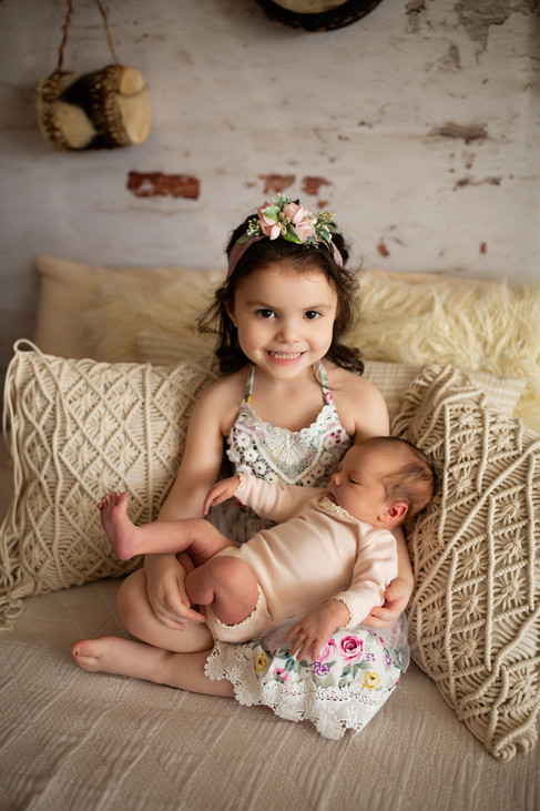 Newborn-Boho-Sienna&Family_0041.jpg