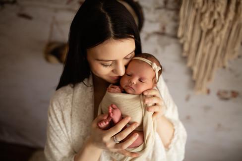 Newborn-Boho-Sienna&Family_0097.jpg