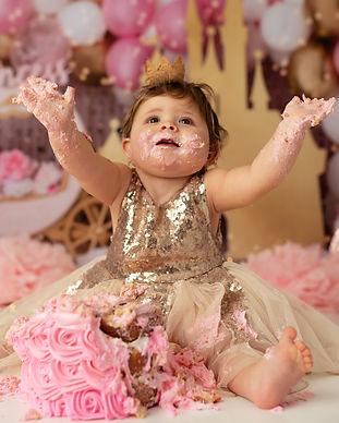 Clara Cake Smash_0145.jpg