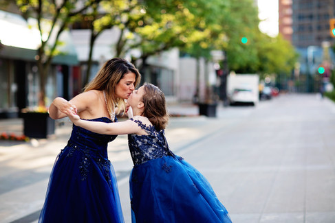 Laura&Sarah_0041.jpg