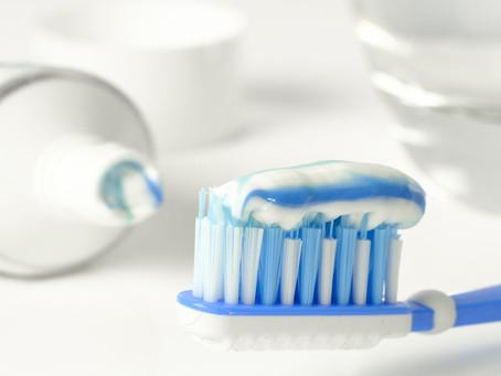 Wie putzt man sich richtig die Zähne?