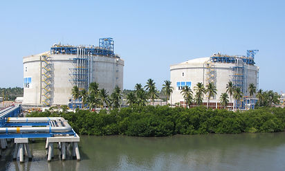 Manzanillo LNG Tanks, Mexico. Each tank is seismically isolated with 340 Triple Pendulum™ isolators, manufactured by Earthquake Protection Systems