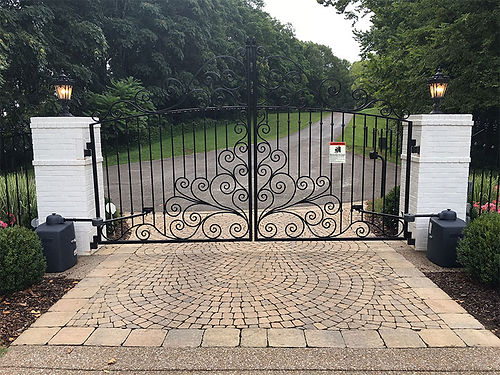 swing gate.jpg