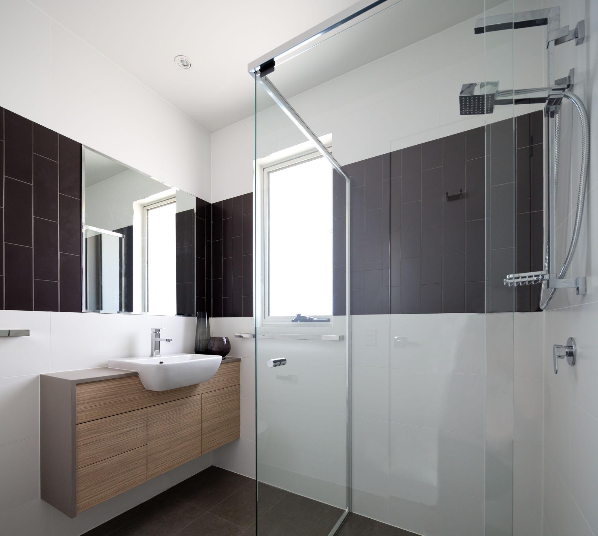 Townhouse Bathroom 08