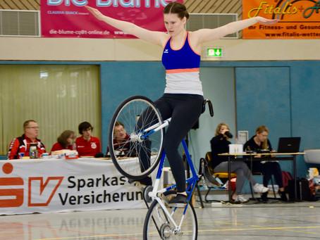 Hessenmeisterschaft Kunstradfahren: Eine sportlich-künstlerische Ode an das Fahrrad