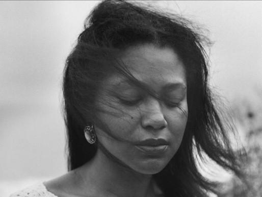 Gisela Casimiro e a poesia do amor-próprio