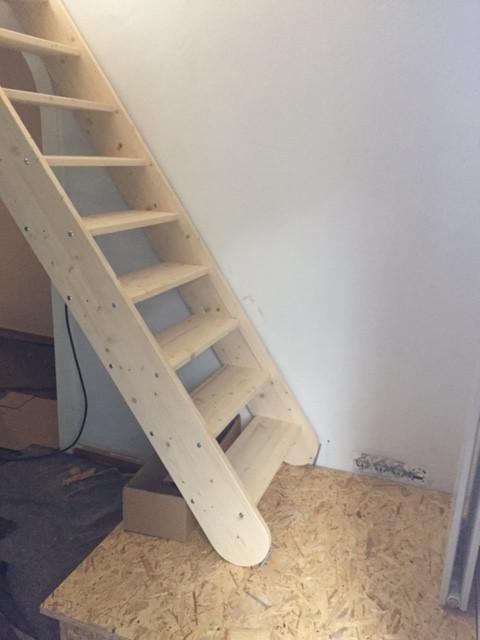Die Treppe steht