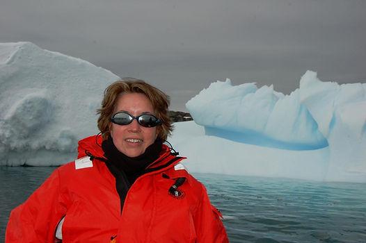 angela_y_icebergs.300200946_large.JPG