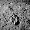 昭和44年7月21日 月面へ降りる(足跡)