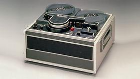 1965年(昭和40年) 家庭用VTR「CV-2000型」