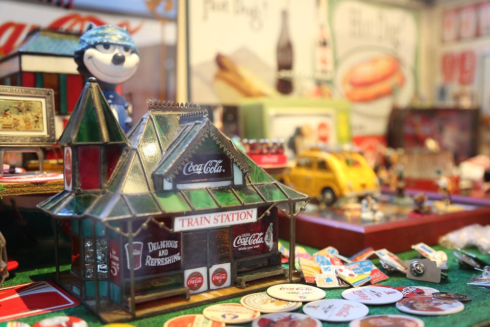 湯布院 旅の蔵 おもちゃ箱 コカ・コーラ