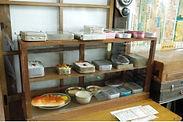 昭和のレトロな、お弁当箱や給食の食器