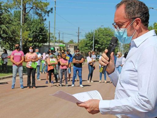 El Intendente Walter Torchio entregó terrenos del programa Esfuerzo Propio