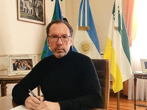 El Intendente, Walter Torchio, firmó un convenio para la ampliación de la red agua potable y desagüe