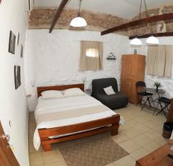 חדר מס' 4 - מלון בוטיק למזכרת