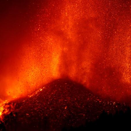 La peligrosa reacción química que la lava del volcán Cumbre Vieja podría causar si llega al mar