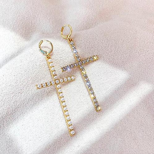 The Diamond Cross earing