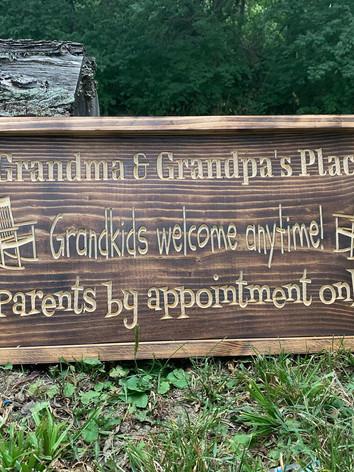 Grandma and grandpa sign 1.jpg