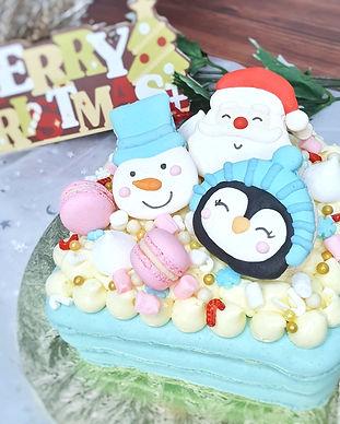 Christmas Macaron Cake 2.jpg