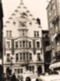 Hosp_5_Lisle_Street_1935_1990.jpg