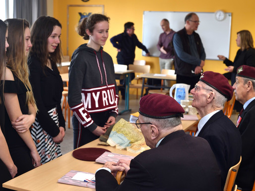 A trio of veterans visit school in Cabourg