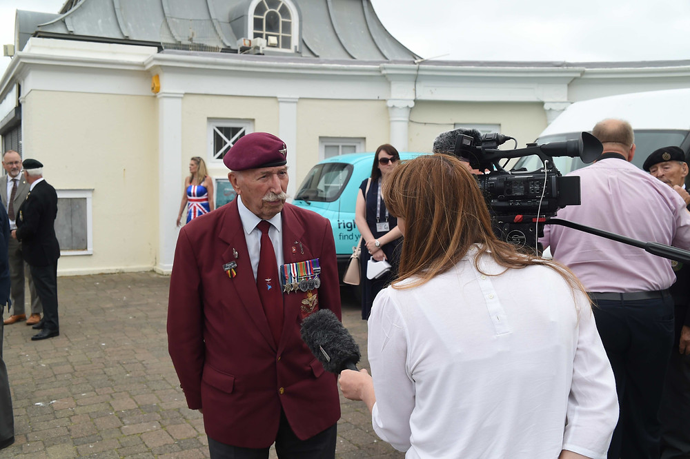 Taxi Charity veterans trip to Worthing