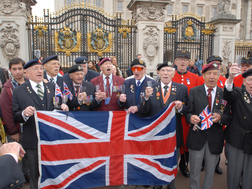 WWII veterans sing to celebrate Forces' Sweetheart's 100th birthday