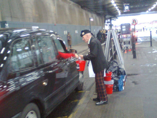 Taxi Charity News: A great day selling diaries at Waterloo