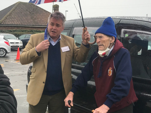 Taxi Charity takes 100-year-old WWII veteran for his Covid vaccination