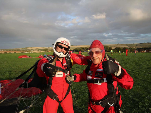 Press Release: WW2 veteran completes parachute jump at the age of 89